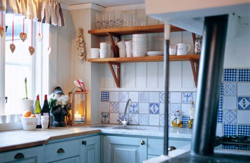 6-small-country-kitchen